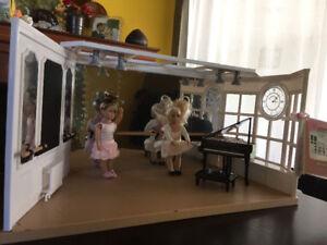 Studio de danse (ballet) poupée Lori