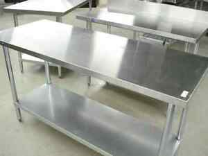 Table de Travail en Acier Inoxydable /Stainless Steel Worktables
