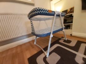 Baby Crib, Compact Travel Cot 0-6 Months Blue (Used)
