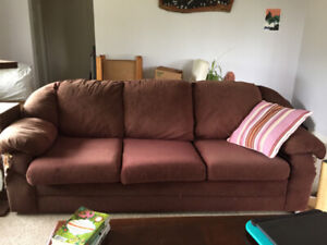Phenomenal Couch Buy And Sell Furniture In Nanaimo Kijiji Classifieds Download Free Architecture Designs Estepponolmadebymaigaardcom