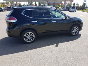 2015 Nissan Rogue SL SUV, with GPS Nav,Bose Systm,Blind Spot inf