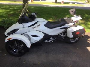 Can-am Spyder RS semi-automatique 2011