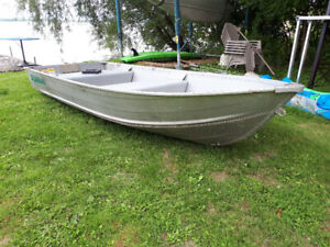 12 foot aluminum boat with seat.