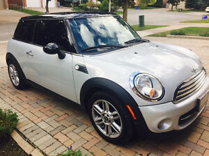 2011 MINI Cooper (2 door) - Winter Tires + Warranty Included
