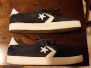 Converse shoes size 11 Windsor Region Ontario image 4