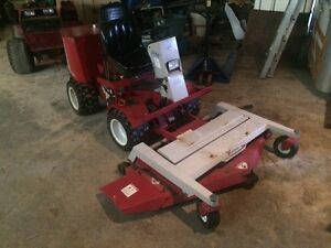 2007 VENTRAC 3200  with 60 inch deck and slip scoop