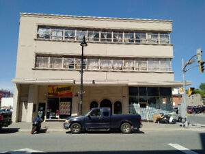 DOWNTOWN MULTI-USE BUILDING FOR SALE