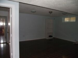 2 BEDROOM BASEMENT SUITE IN EVANSTON VIEW NW CALGARY AVAILABLE O