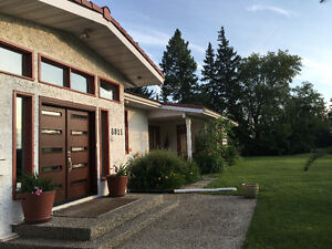 Saskatchewan Drive House - Belgravia bungalow - university