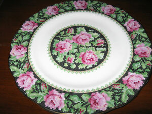 ROYAL ALBERT NEEDLE POINT DINNER PLATE