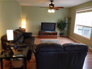 Detached 3 Bdrm. Family Home in Columbia Forest $1650 + Kitchener / Waterloo Kitchener Area image 4