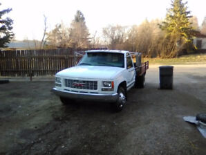 1998 GMC C/K 3500 White Pickup Truck