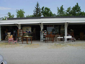 GARRISON ROAD ANTIQUE and FLEA MARKET (Fort Erie)