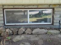 1 fenêtre coulissante 2 sections / Faites votre offre!