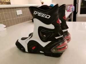 Speed sportbike boots