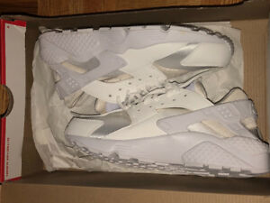 Selling Huaraches size 7 women's