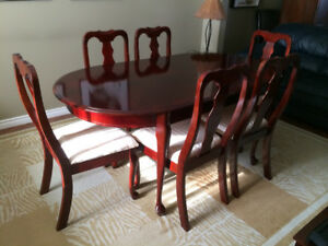 NEW Queen Anne 7 Piece Dining Room Table Set