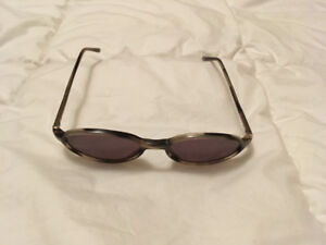 Vintage Gucci Womens Sunglasses (Model 135 GG 1165 WT3)