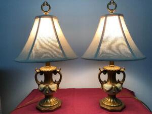 *** ENSEMBLE DE 2 LAMPES STYLE ANTIQUE ***