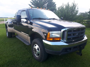 39000 original km Ford f350 diesel 4x4 dually