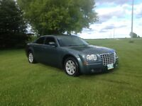 2005 Chrysler 300 *Sunroof/Alloy Rims*