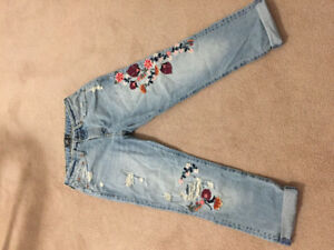 Jeans/Abercrombie - never worn 6$