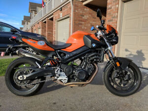 '10 BMW F800R - Amazing bike with new tires, needs a rider!
