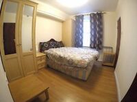 spacious two bedroom flat to share,next to Edgware road stn