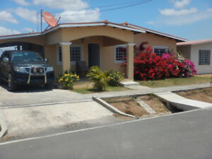 Fully furnished Bungalow for lease or rent in Anton Panama