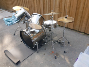 Pearl Forum Series 5pc drumset