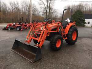 Kioti DK55 - 55hp - 4WD Tractor with Loader - 775 Hours