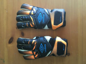 Umbro NEO Valor Glove DPS Rollfinger Goalkeeper Gloves