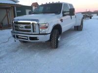 2008 Ford F-350 Lariat Rare short box dually.