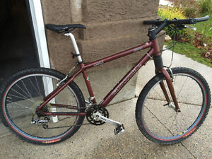 Cannondale F2000 mountain bike