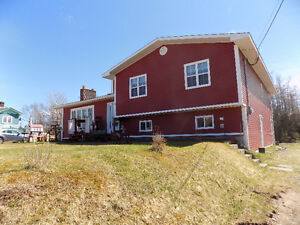 Beautifully Updated Home in Howley