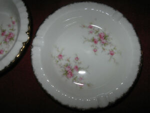 PAIR of VINTAGE MATCHING PARAGON FINE BONE CHINA ASH TRAYS
