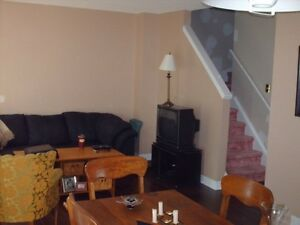 Lovely Townhouse on quiet crescent for rent for Dec. 1st Cambridge Kitchener Area image 3