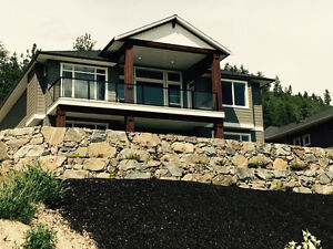 Rattlesnake Rock Custom Rock Retaining Walls