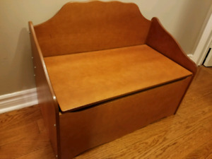 Solid wood toy chest