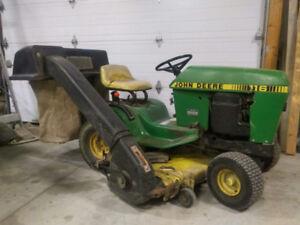 116 John Deere Lawn Tractor w/power bagger