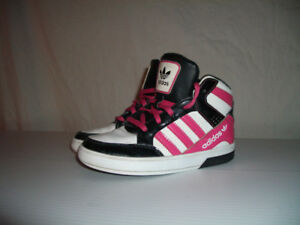 """ Adidas """" shoes   chaussures ------ size 11 US / 28 EU"