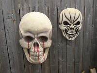 LARGE battery operated WALL SKULL