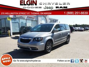 2015 Chrysler Town & Country S***Dual DVD,Leather,Navi,B-up Cam*