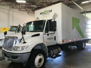 2016 International 4400 4x2, Used Dry Van