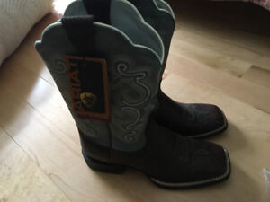 Ariat Female Cowboy Boots