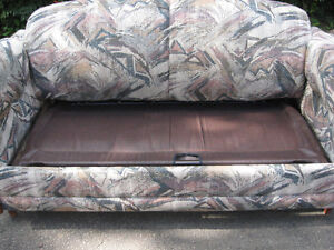COUCH SOFA BED AND TURNS IN TO BED ONLY $50.00 FROM NON SMOKING Cambridge Kitchener Area image 2
