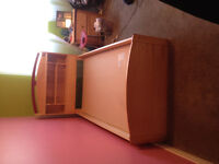 BEDROOM SET, BED, 6 DRAWER DRESSER / MIRROR, AND NIGHT STAND
