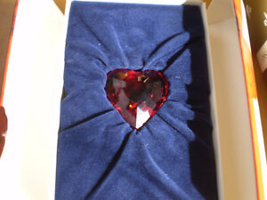Swarovski Crystal Figurines - 1997 &1998 SCS Blue and Red Hearts Kitchener / Waterloo Kitchener Area image 8