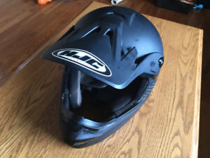HJC Black Mens Medium Helmet