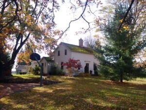 Charming Country Farm House for rent near Tillsonburg